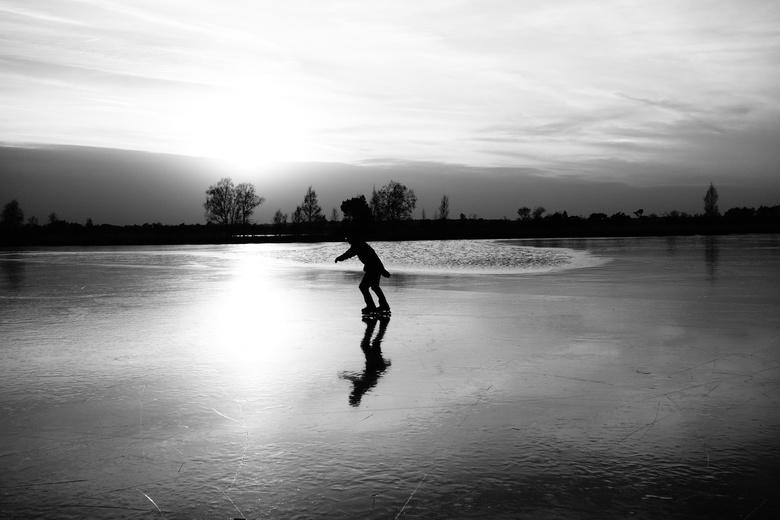 Schaatsen - Stappersven - Gelukkig... Koning winter heeft zichzelf toch nog even laten zien. Afgelopen week en weekend mochten we genieten van het ijs