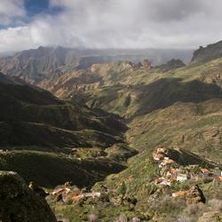 2.  Gran Canaria: Roque Bentaiga.jpg