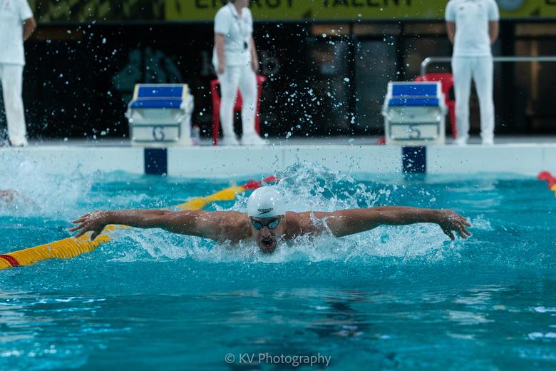 Sport emotie - Joeri Verlinden tijdens de NK Estafette zwemmen 2018