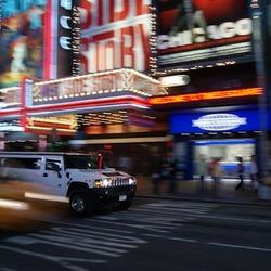 New York by night (Hummer)