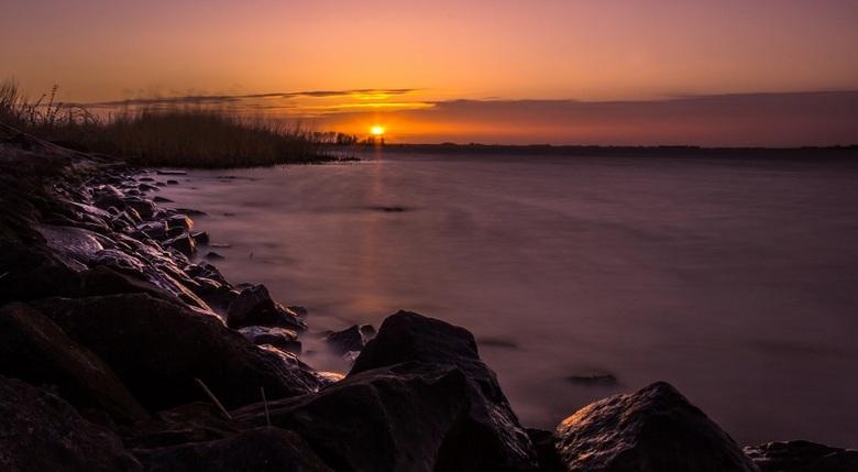 Sunset - De zonsondergang vlakbij Eemdijk.