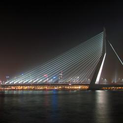 Erasmusbrug Rotterdam by night