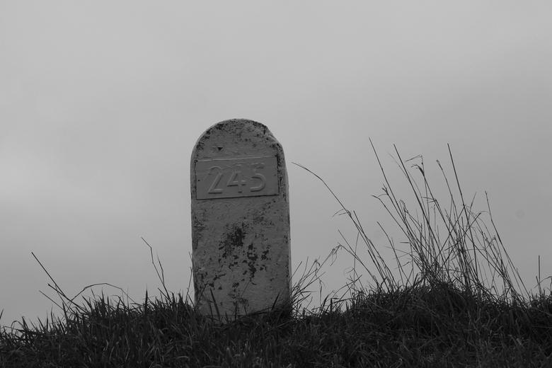 waiting - In Zeeland, zo ga ik vaker wel weg. Dit keer heb ik een dagje Middelburg gedaan naast de dijk bij het huisje. Dit is op de dijk naast ons hu
