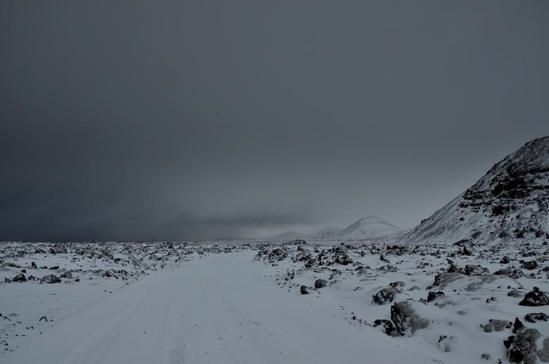 ijskoud ijsland - tijdens onze trip naar ijsland terecht gekomen in een sneeuwstorm,vastgezeten met de auto etcetc. het was een groot avontuur die dag