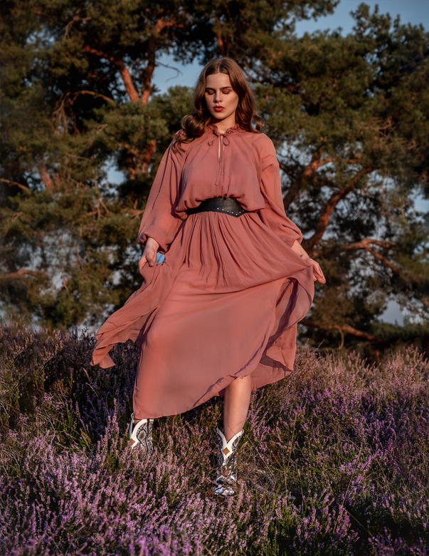 In the field - Model: Demi Juffing<br /> <br /> Styling: Anna Sabanceva<br /> <br /> Mua &amp; Hair: Bruce Rademakers<br /> <br /> Photography: