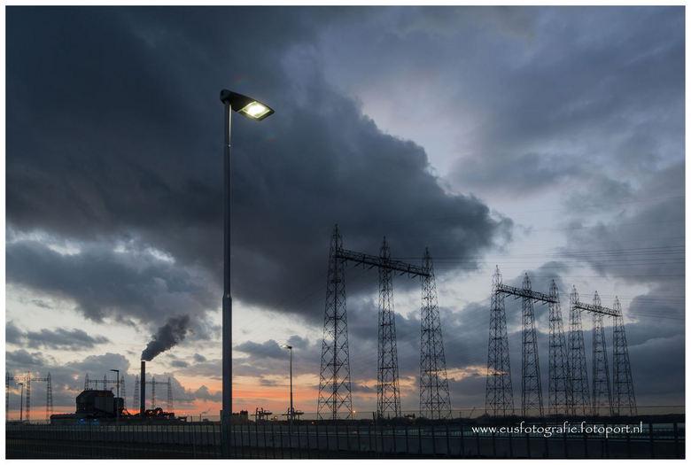 Energiecentrale Nijmegen - Energiecentrale Nijmegen vanaf de nieuwe stadsbrug De Oversteek in Nijmegen