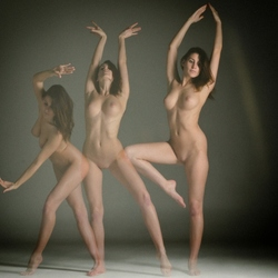 Clamour Nude.1.