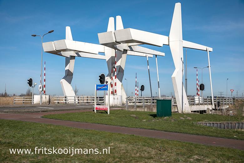 Brug op de Manchesterweg in Groningen - 20180406 0244 Brug op de Manchesterweg in Groningen