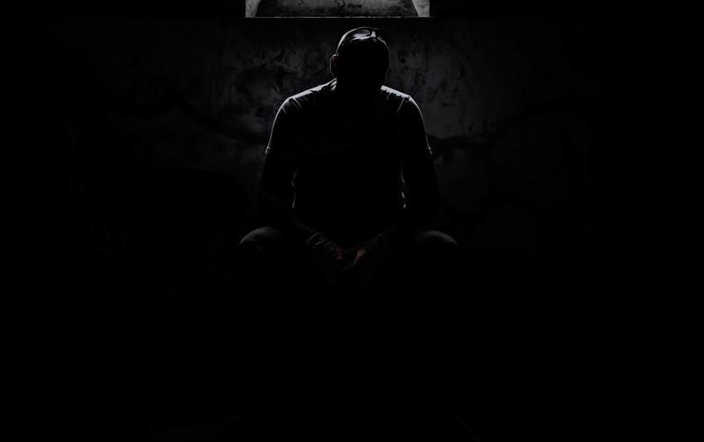 Darkness  - Deze foto vond ik na een aantal jaren weer terug op mijn usb stick. Foto toen gemaakt in het spookstadje Doel.