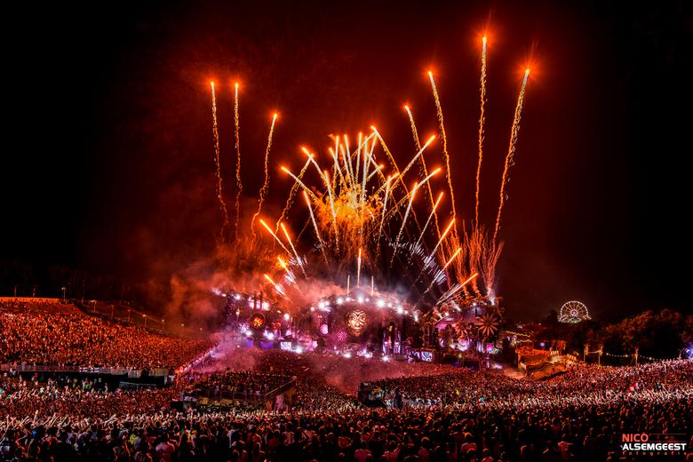 Vuurwerk Tomorrowland - Als fotograaf van dit evenement is dit toch wel 1 van de mooiste dingen om te fotograferen.