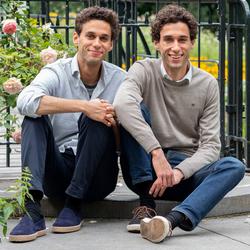 Eeneiige tweeling Camiel en Daniël 1