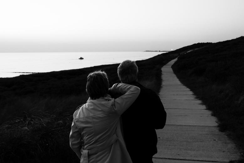 Wat de toekomst brenge moge... - Zeeland - ...mij geleidt des Heren hand.<br /> <br /> Genomen in de duinen van Dishoek, Zeeland.