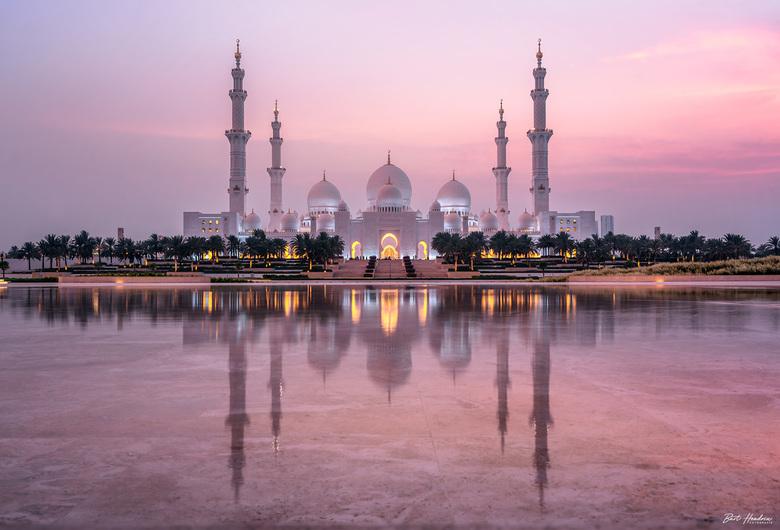 Oasis of Dignity - Sheikh Zayed grand Mosque gefotografeerd vanaf Wahat al Karama (Oasis of Dignity) - Abu Dhabi | UAE