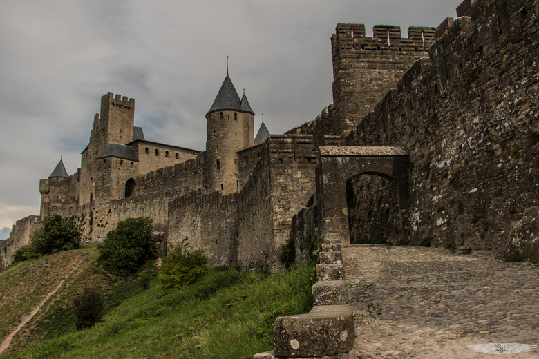 Défense 2.0 - Carcassonne Zuid-Frankrijk, geweldige plaats om foto&#039;s te maken. Spreekt erg tot de verbeelding.<br /> <br /> https://en.wikipedi