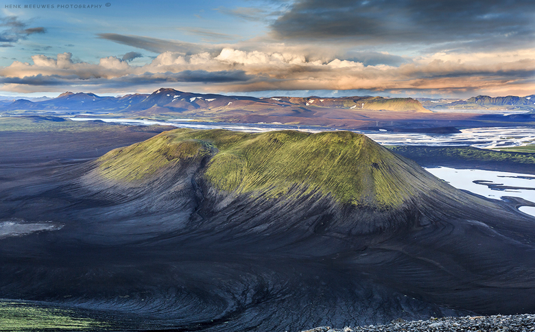 On top of a vulcano - Weer terug na een fantastische fotoreis in IJsland met Sven Broeckx en Wim Denijs<br /> Wilde me graag verdiepen in de landscha