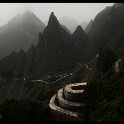Road to Zhangjiajie.