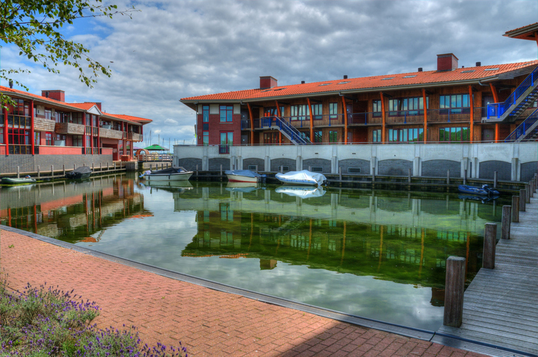 haven flevostrand - De reflecties zijn overal.