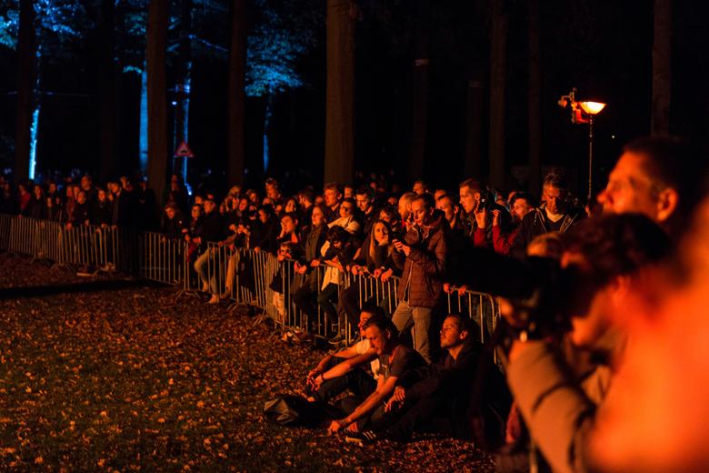 Glow Eindhoven - 2015 - Een foto gemaakt in Eindhoven. Het publiek was aan het kijken naar de 23. Large Fire Tornado.