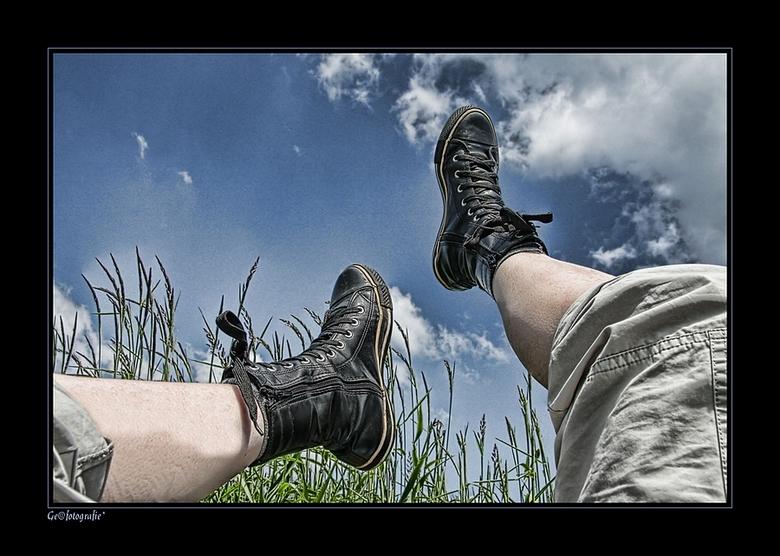 Walking in de Sky..? * - <br /> Vandaag de hele dag op macro tocht geweest...<br /> maar wat was het lekker weer....<br /> en wat wordt je van dit