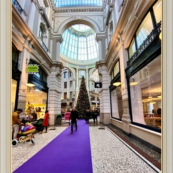 Christmas atmosphere in the Passage
