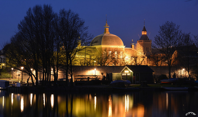Leerdam-Hofje van Aerden - Blauw uurtje.<br /> Hofje van Aerden - Leerdam.<br /> @FoToWillem.