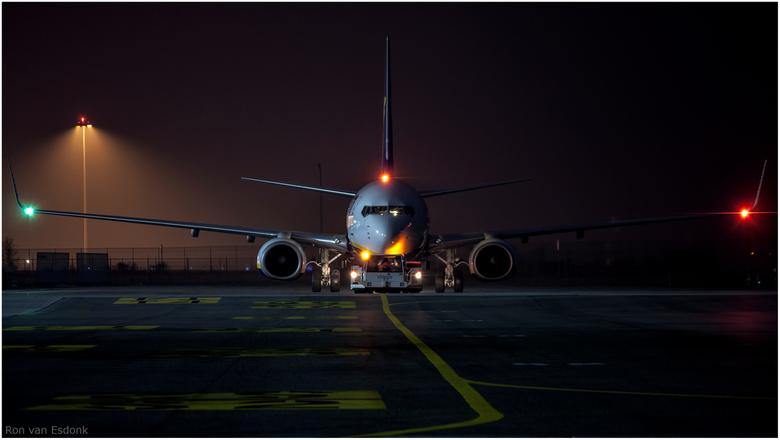 Klaar voor vertrek - Deze Ryanair is klaar voor vertrek. Foto gemaakt op Eindhoven Airport.