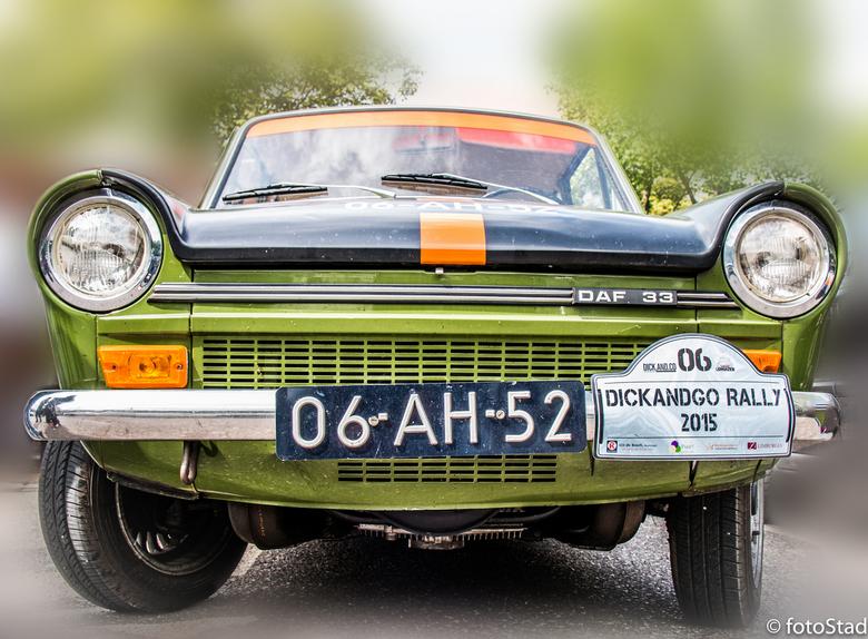 DAF 33 - afgelopen zaterdag mee gedaan aan een auto rally, wat een gave auto's deden ermee!
