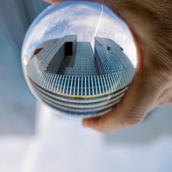 De Rotterdam gezien door een Crystal ball