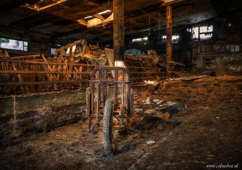 In de oude schuur -