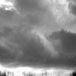 achter de wolken..