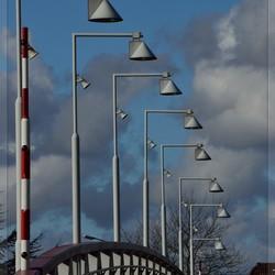 Stroobos... Lampen op een brug - totaaloverzicht