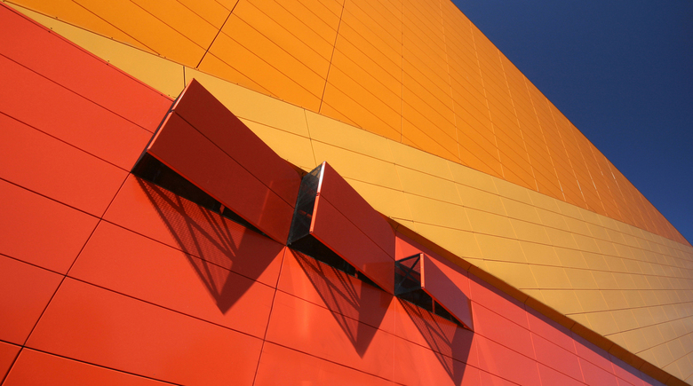 Agoratheater in Lelystad - Het zeer innovatieve en creatieve Agoratheater in Lelystad. Prachtig van lijn, vlak, kleur, licht en schaduw.<br /> <br />