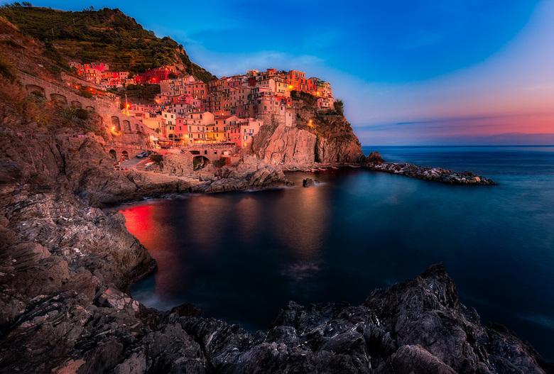 Cinque Terre - Italie - Cinque Terre is een prachtig gebied en daarvan zijn meerdere zeer fotogenieke punten. In dit geval had ik gekozen voor Manarol