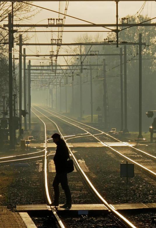 Onderweg. - Foto in de ochtend genomen op het station in Vakenburg.