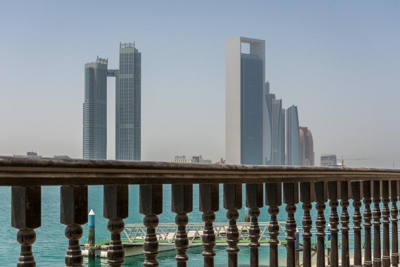 Abu Dhabi bij 48°    -