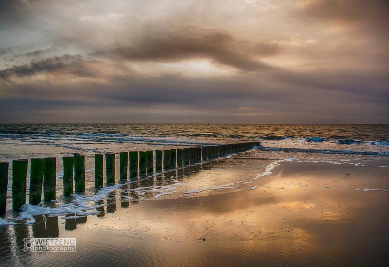 Zonsondergang strand Ameland - Strand Ameland tijdens zonsondergang