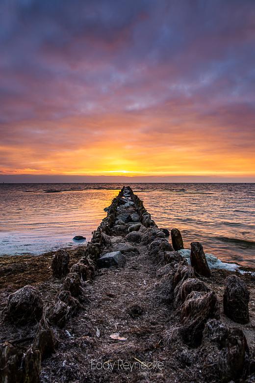 GOLFBREKER HINDELOOPEN - Prachtige kleuren tijdens een zonsondergang in Hindeloopen