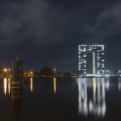 Tasman Toren in Groningen in de nacht
