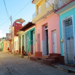 Kleurrijke straat in Trinidad