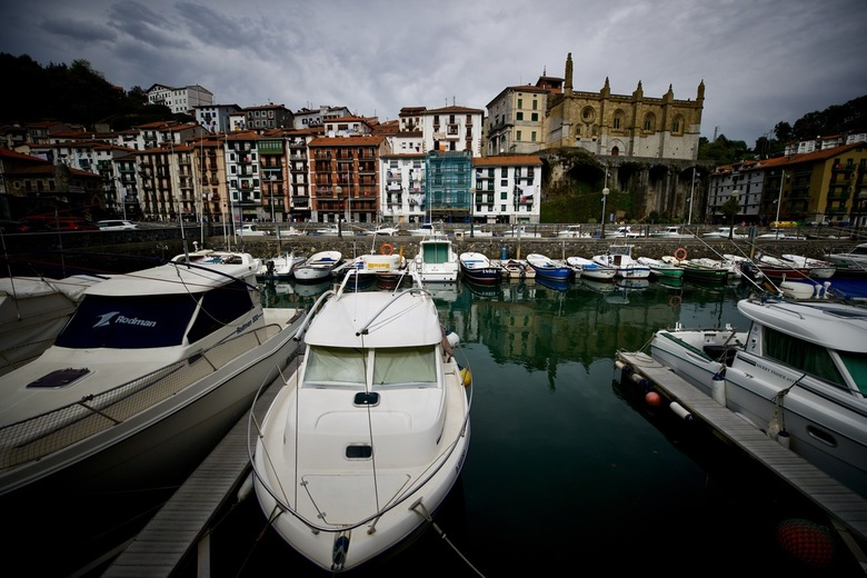 Spaanse dorpen. - Zicht op Ondarroa Baskenland.