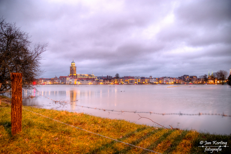 """skyline Deventer 3 - Een derde foto in mijn """"serie"""" Skyline Deventer. Deze keer is aanvalshoek van de Wilhelminabrug"""
