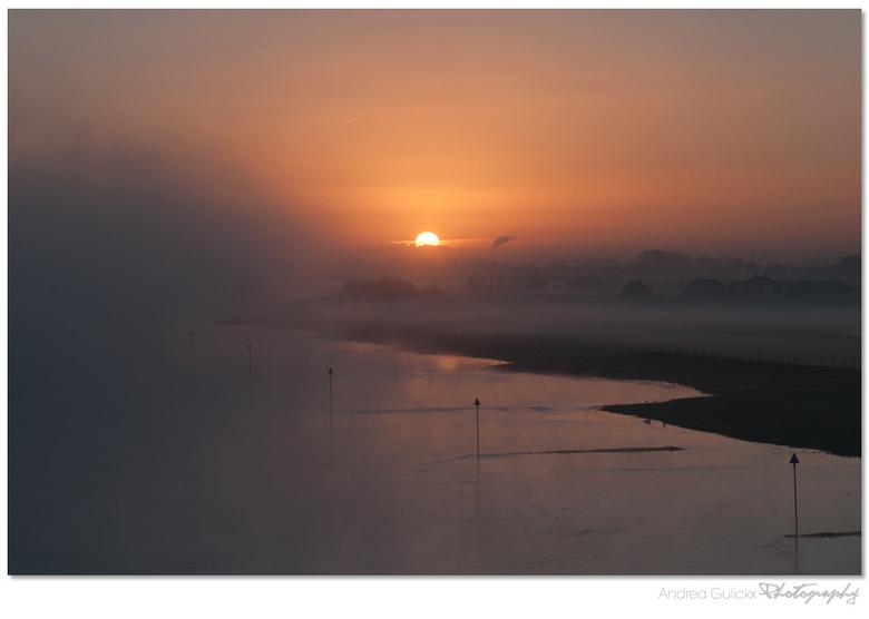 Sunrise at rhenen bridge.