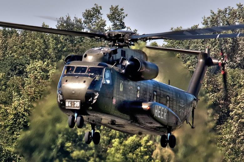 Rescue in the Jungle - Landing van een CH-53G