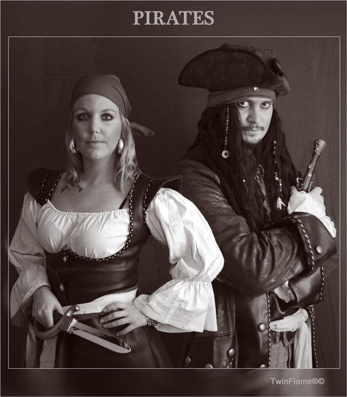 """Pirates - Nu een bewerking van ons samen, ook gedaan door ons samen <img  src=""""/images/smileys/smile.png""""/> Wij waren dit jaar dus piraten met carnava"""