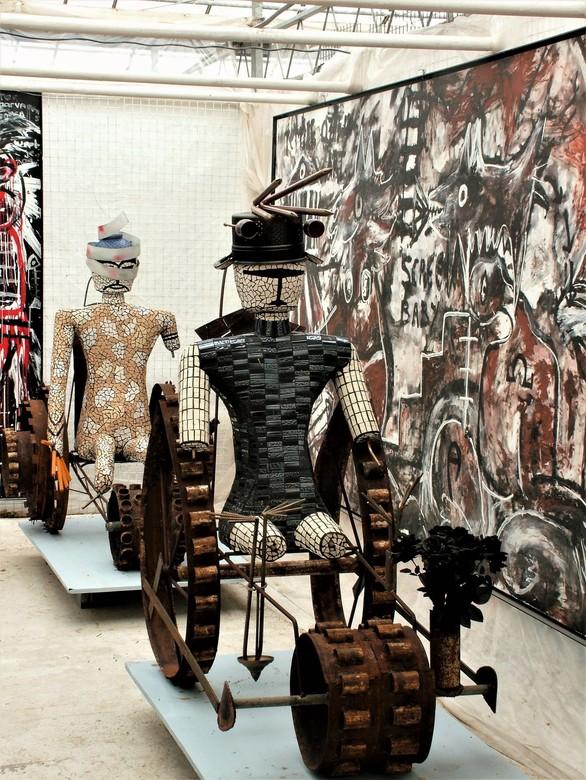 Kunst voertuigen  - Kunst in de Kunst-Kas in Maasland dl.3<br /> Gtjs. AJ62
