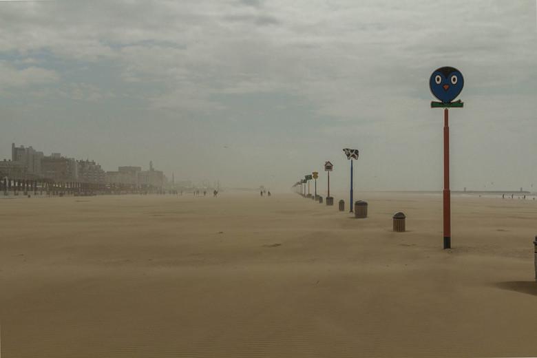 Strand Scheveningen  - Lijnenspel, ook wel mooi licht