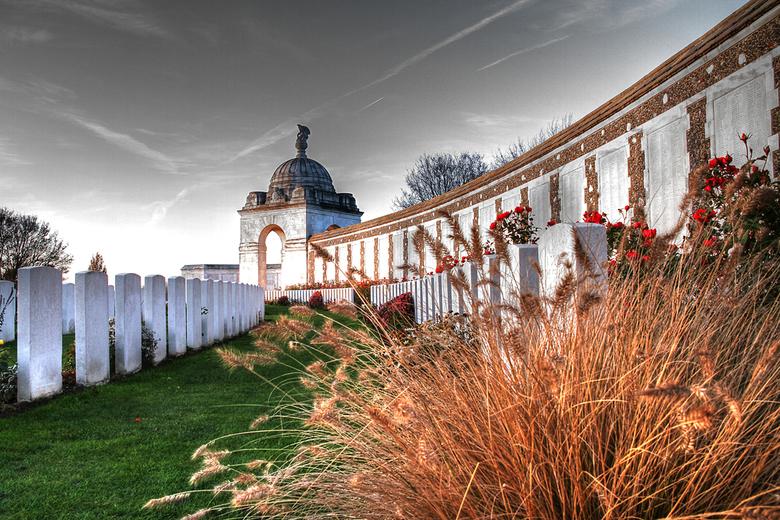 Begraafplaats - Een zicht genomen van Tyne Cot Cemetry.<br /> Tyne Cot is de grootste Britse militaire begraafplaats op het Europese vasteland.