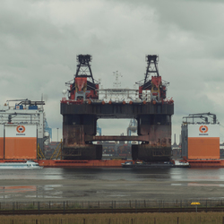 Dockwise Vanguard en Hermod