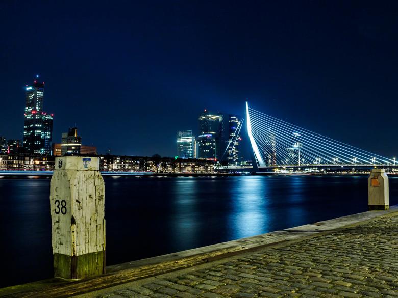 Daar aan de Maas, de Nieuwe Maas...