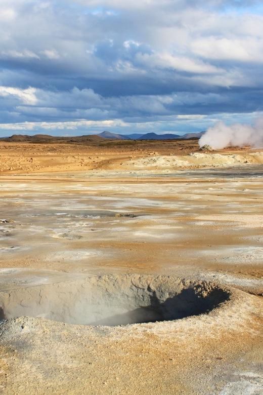 Alien-like landscape - IJsland - De kokende modderpotten van Hverarönd.